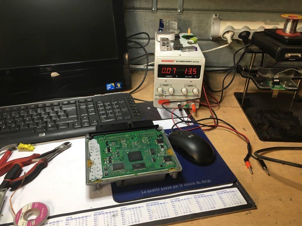 préparation de boitier électronique de Mercedes 220 cdi